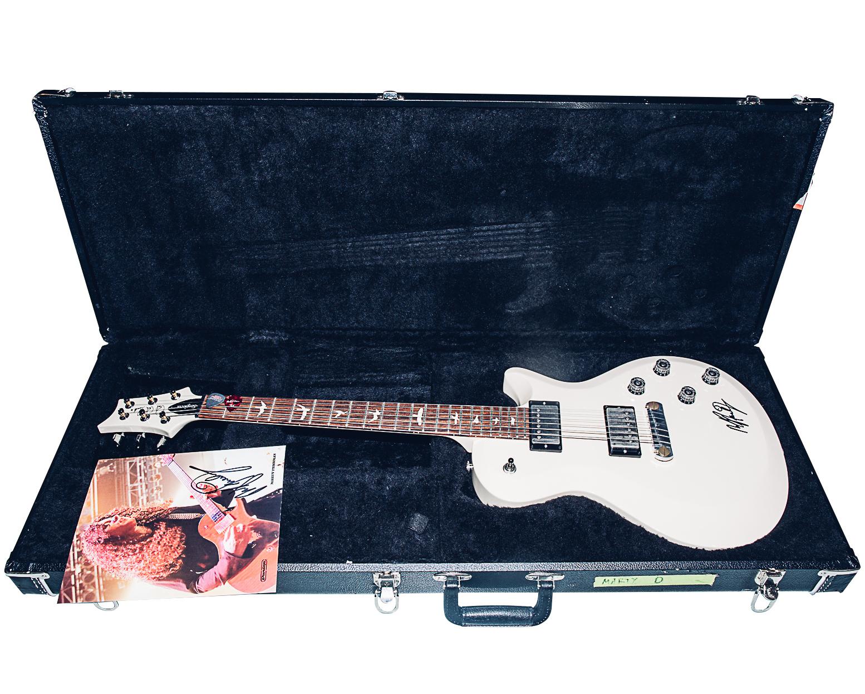 【売約済】マーティ・フリードマン様サイン入りギター